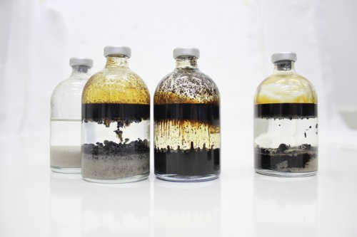 Oilfield chemistry evaluation in atmospheric bottle test study